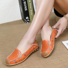 Women's Leatherette Flat Heel Flats Closed Toe With Hollow-out shoes
