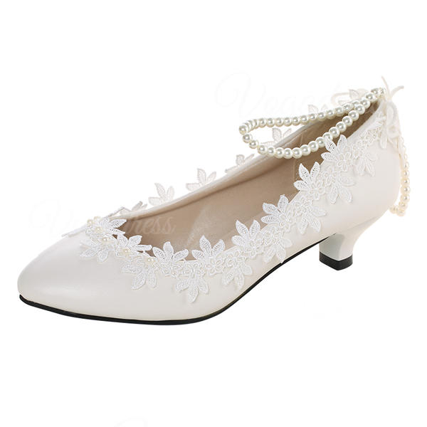 Women's Lace Leatherette Low Heel Closed Toe With Applique